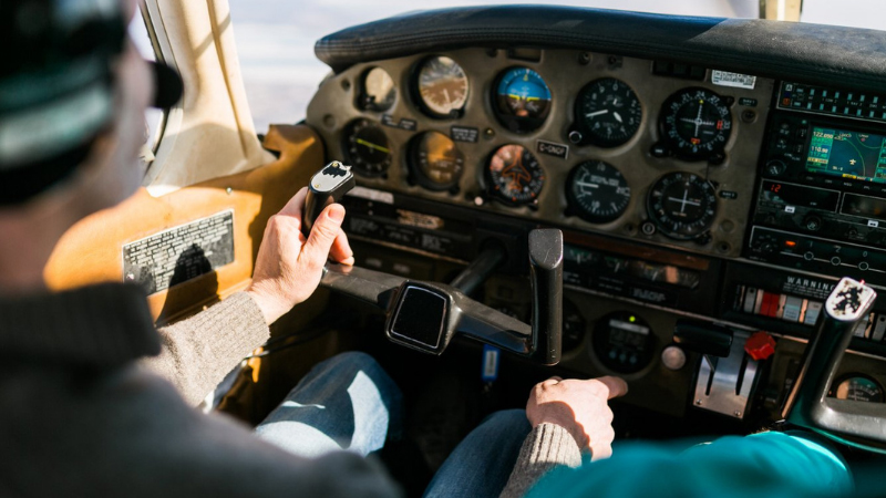 How long does it take to become a commercial airline pilot