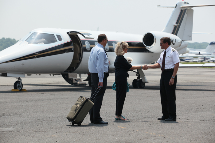 How much do private jet pilots make