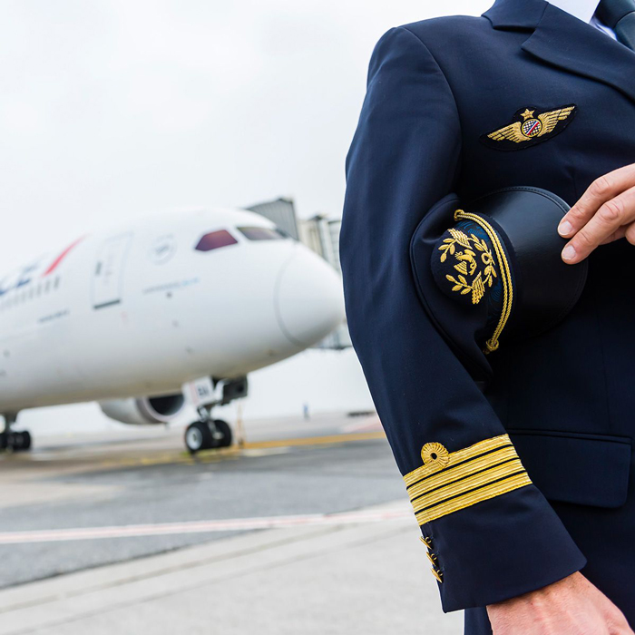 how to become a pilot at 30